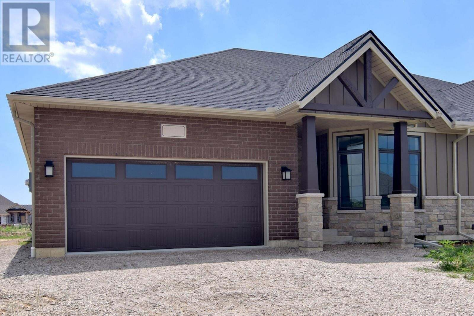Townhouse for rent at 153 Blue Jay  Kingsville Ontario - MLS: 20009107