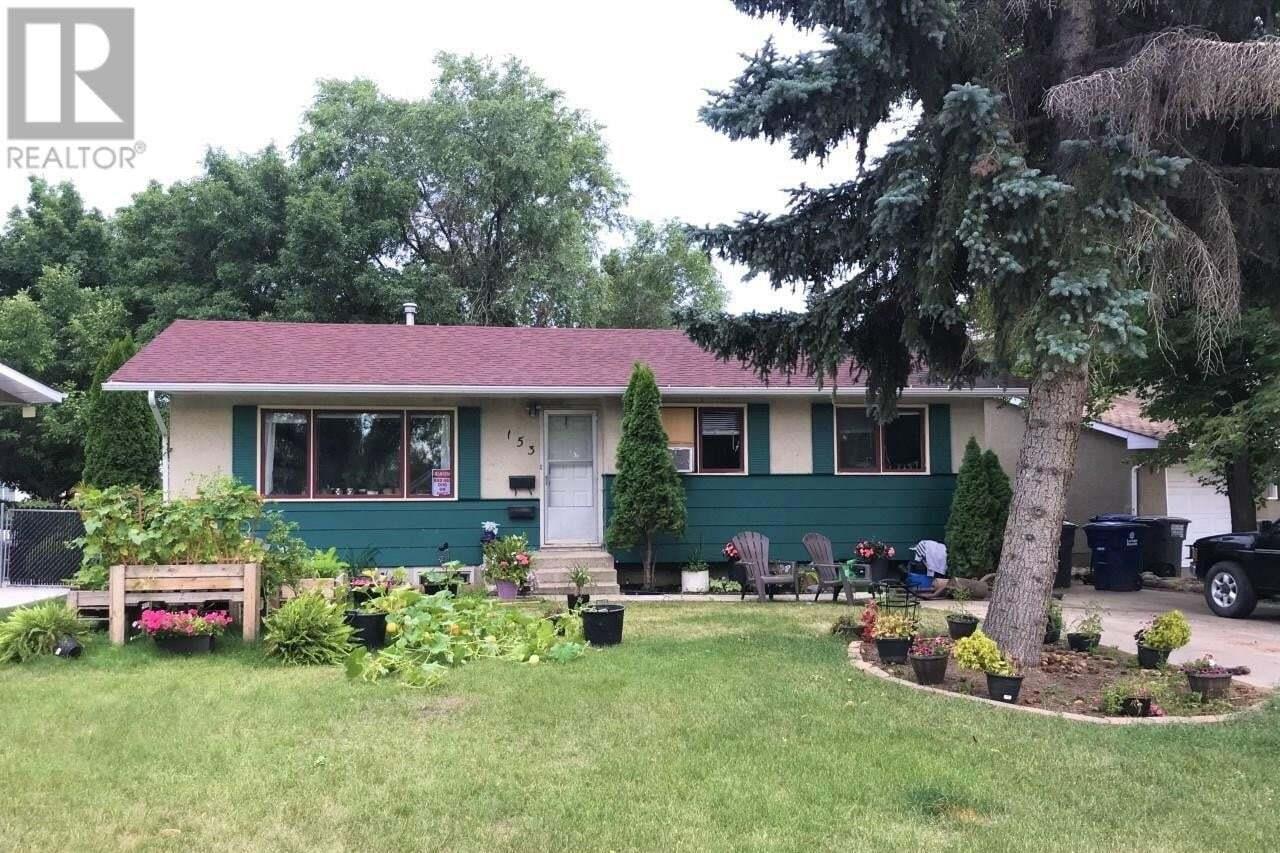 House for sale at 153 Carleton Dr Saskatoon Saskatchewan - MLS: SK821123