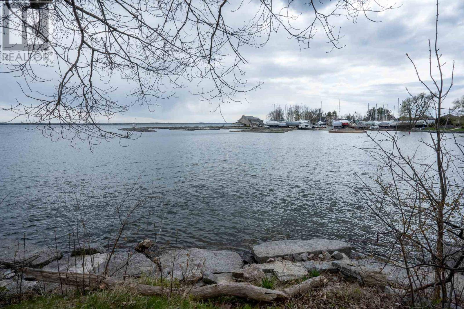 Residential property for sale at 153 Main St Bath Ontario - MLS: K20002211a