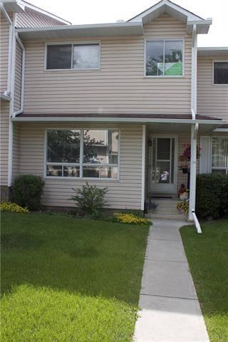 Townhouse for sale at 153 Woodsman Ln Southwest Calgary Alberta - MLS: C4257454