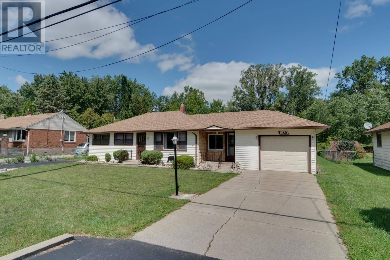 House for sale at 1530 Armanda  Windsor Ontario - MLS: 19024811