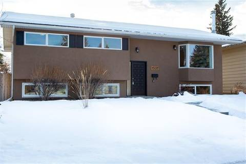 House for sale at 1532 Lake Twintree Wy Southeast Calgary Alberta - MLS: C4279628