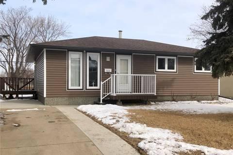 House for sale at 1534 Vaughan St Moose Jaw Saskatchewan - MLS: SK803180