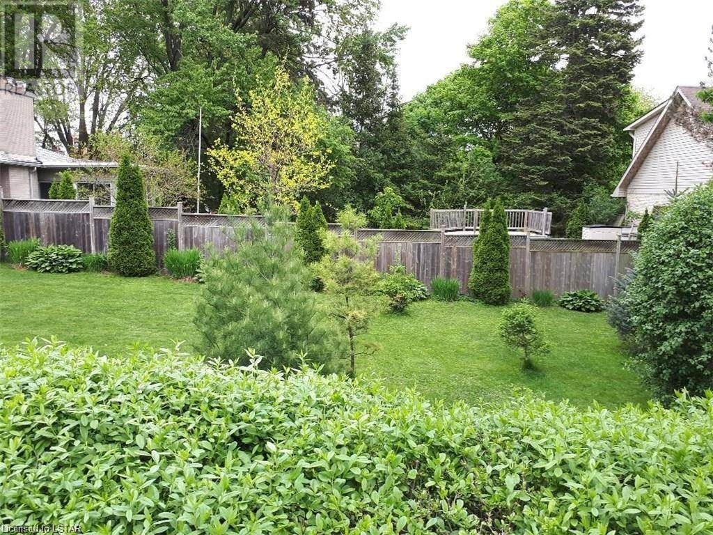 Residential property for sale at 1538 Stoneybrook Cres London Ontario - MLS: 224598