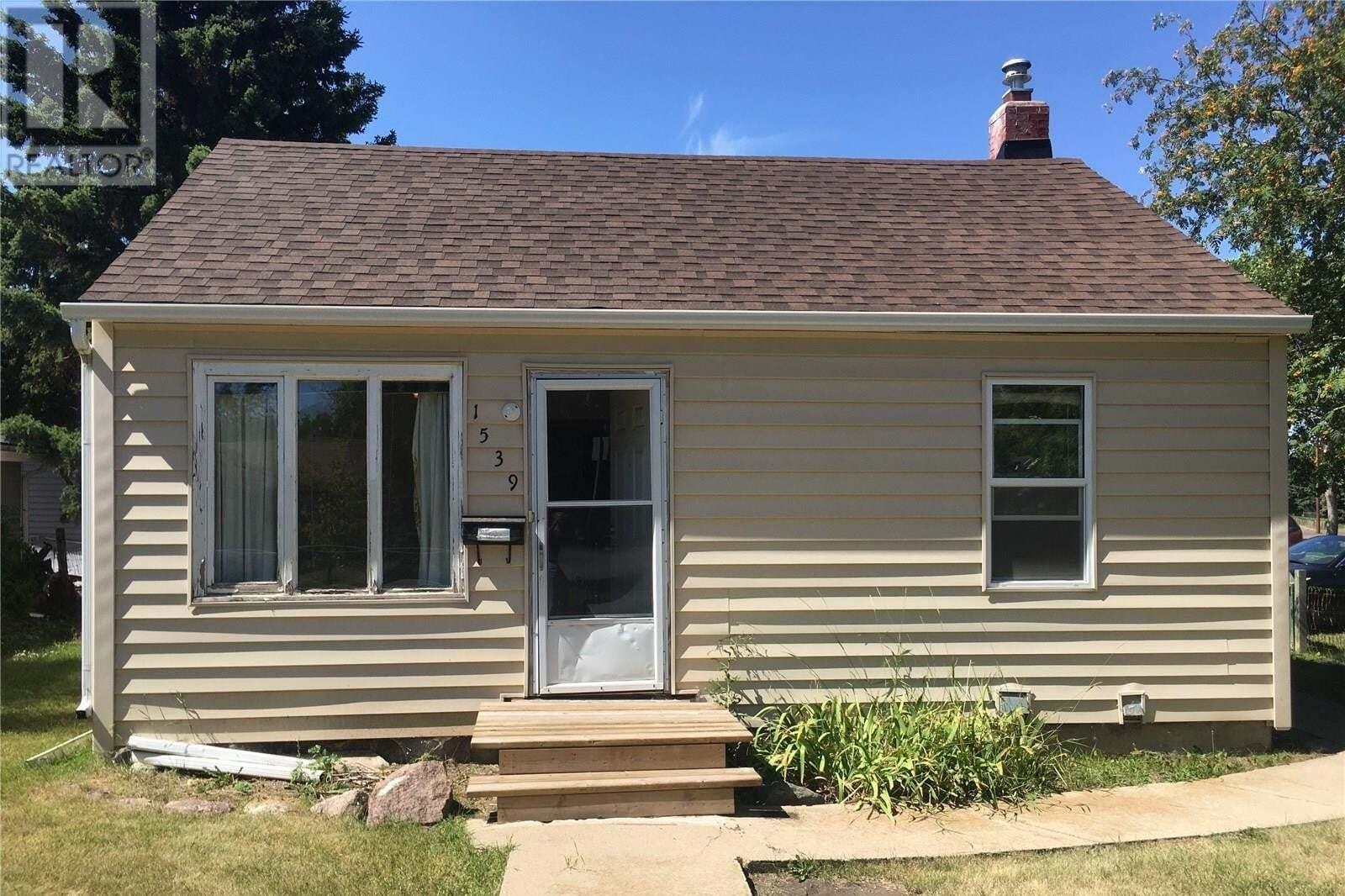 House for sale at 1539 D Ave N Saskatoon Saskatchewan - MLS: SK825776