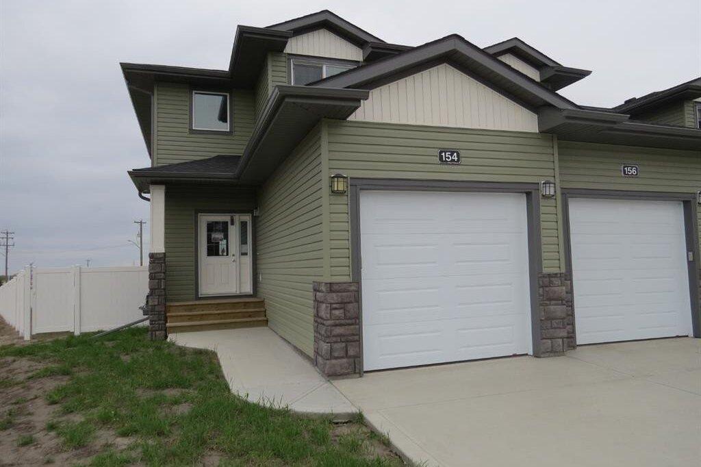 Townhouse for sale at 154 Hampton Cs Penhold Alberta - MLS: CA0185050