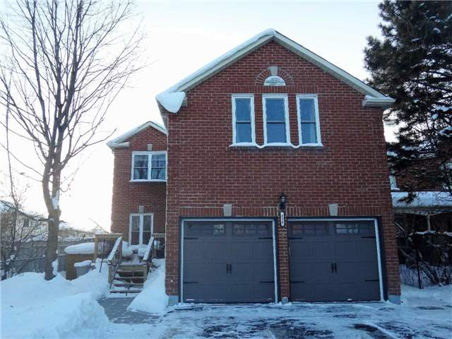 For Sale: 154 Kozlov Street, Barrie, ON | 4 Bed, 2 Bath House for $599,900. See 15 photos!