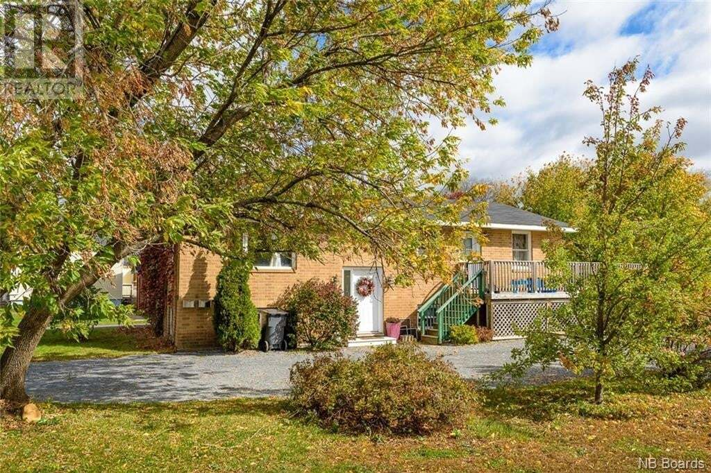 Townhouse for sale at 154 Neill St Fredericton New Brunswick - MLS: NB050368