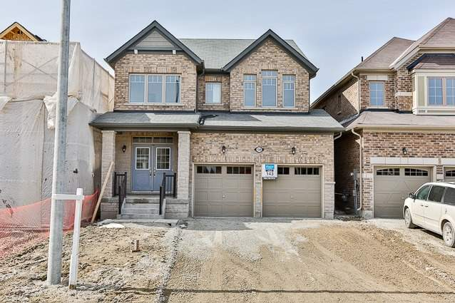 For Sale: 1540 Emberton Way, Innisfil, ON | 4 Bed, 3 Bath House for $735,000. See 8 photos!