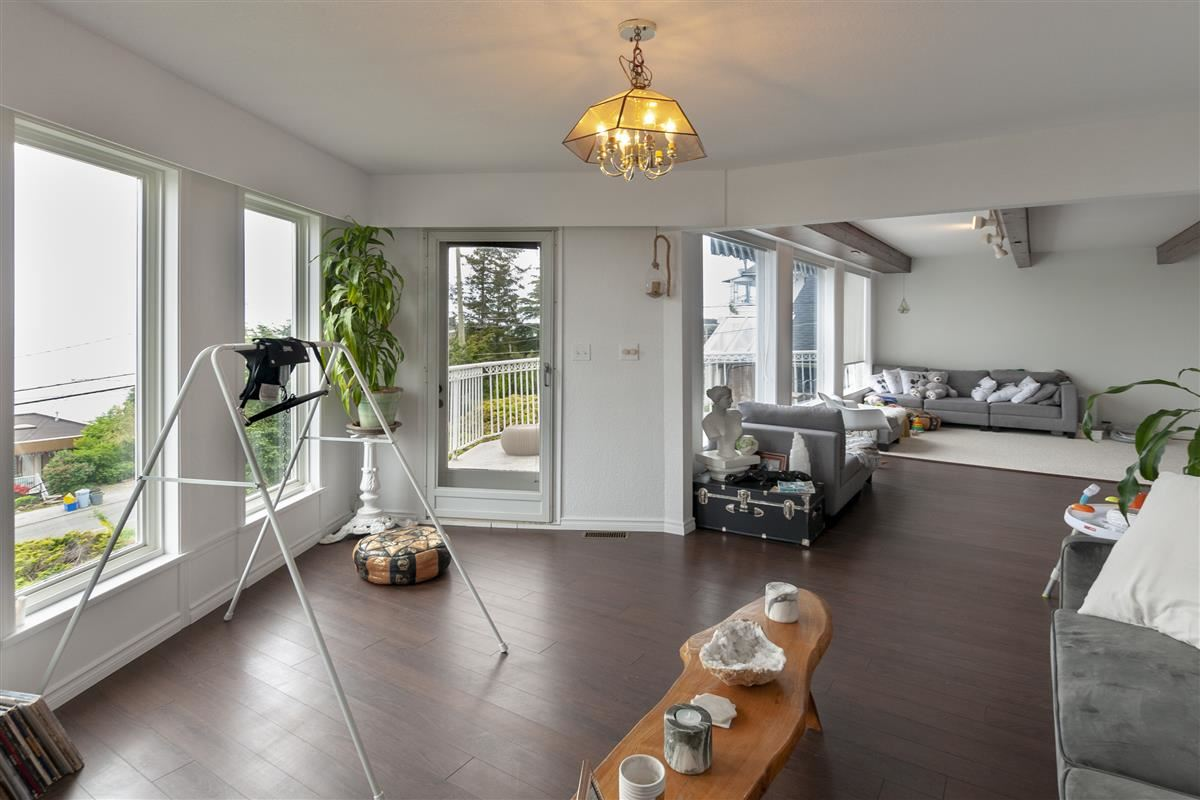 For Sale: 15411 Columbia Avenue, White Rock, BC | 2 Bed, 3 Bath House for $1,990,000. See 20 photos!