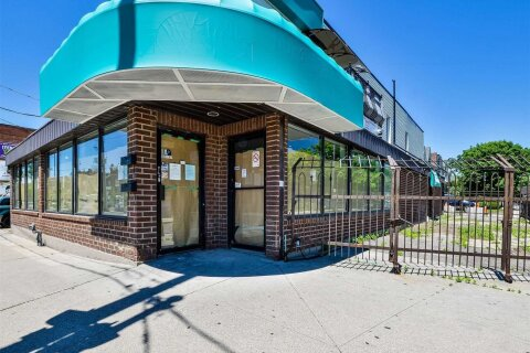Commercial property for lease at 1546 Dupont St Toronto Ontario - MLS: W4777463