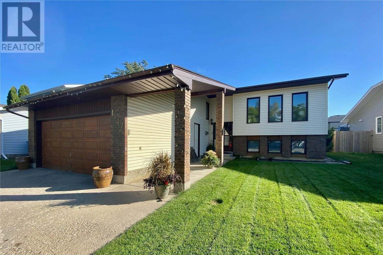 House for sale at 1547 Barton Dr Prince Albert Saskatchewan - MLS: SK826771