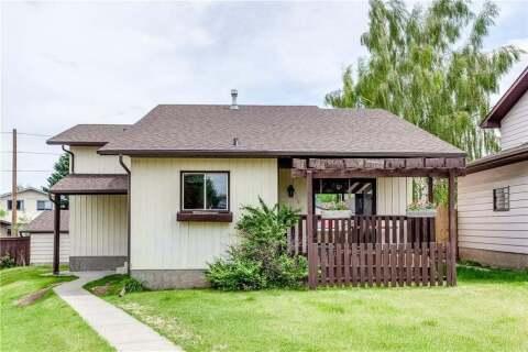 House for sale at 155 Bermuda Wy Northwest Calgary Alberta - MLS: C4305452