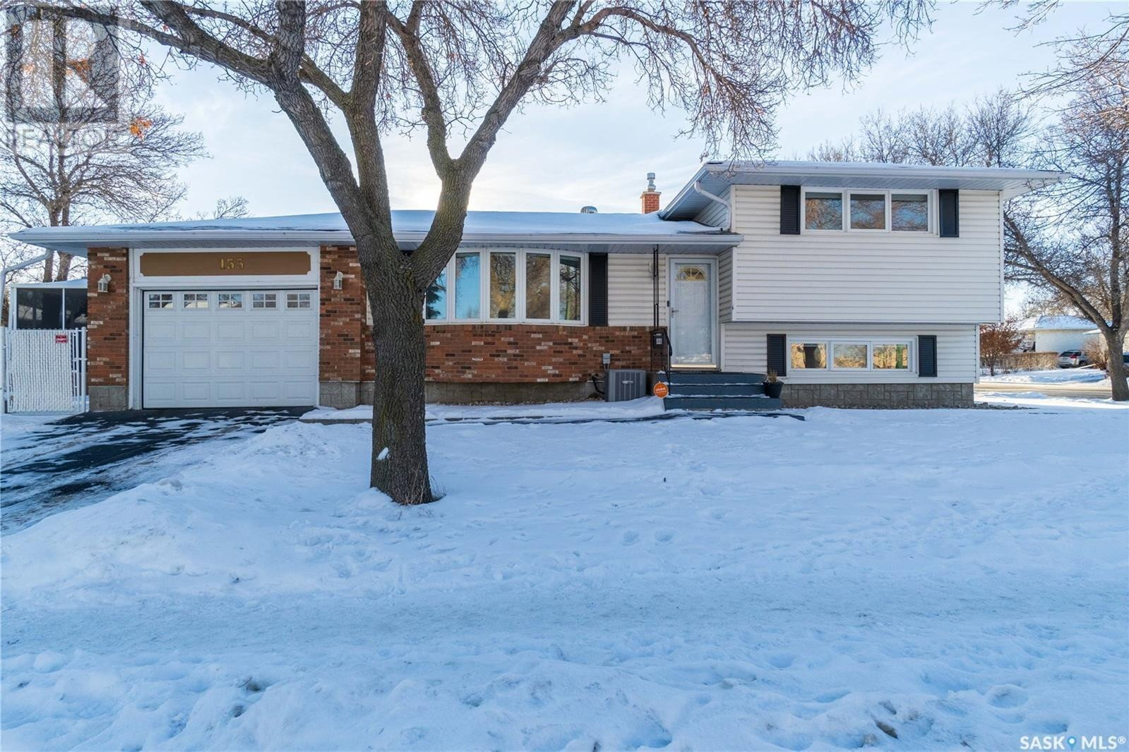 House for sale at 155 Fairview Rd Regina Saskatchewan - MLS: SK834876