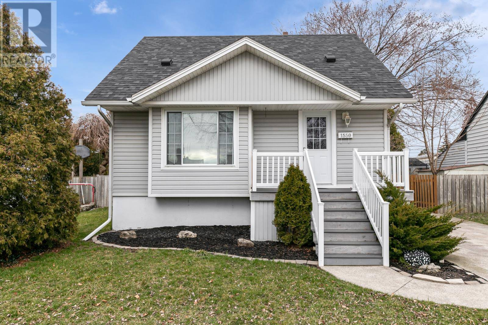 House for sale at 1550 Tourangeau  Windsor Ontario - MLS: 20003649