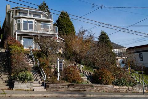 House for sale at 15515 Columbia Ave White Rock British Columbia - MLS: R2348830