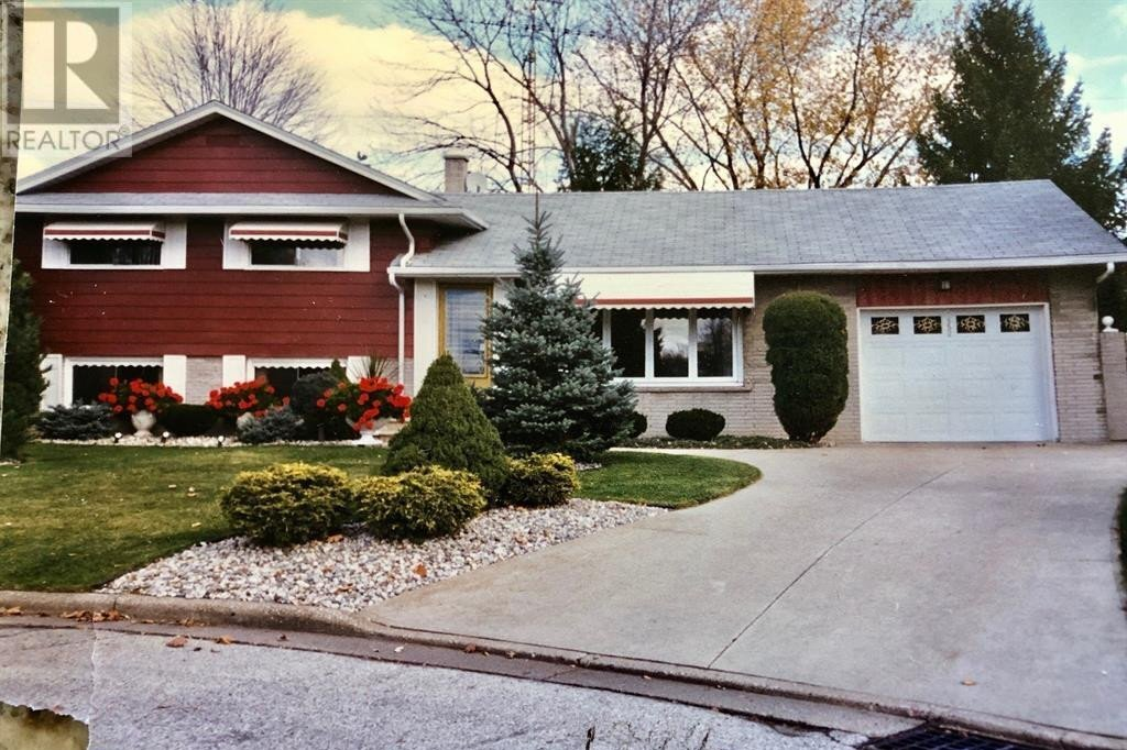 House for sale at 1552 Stratford Cres Windsor Ontario - MLS: 20015496
