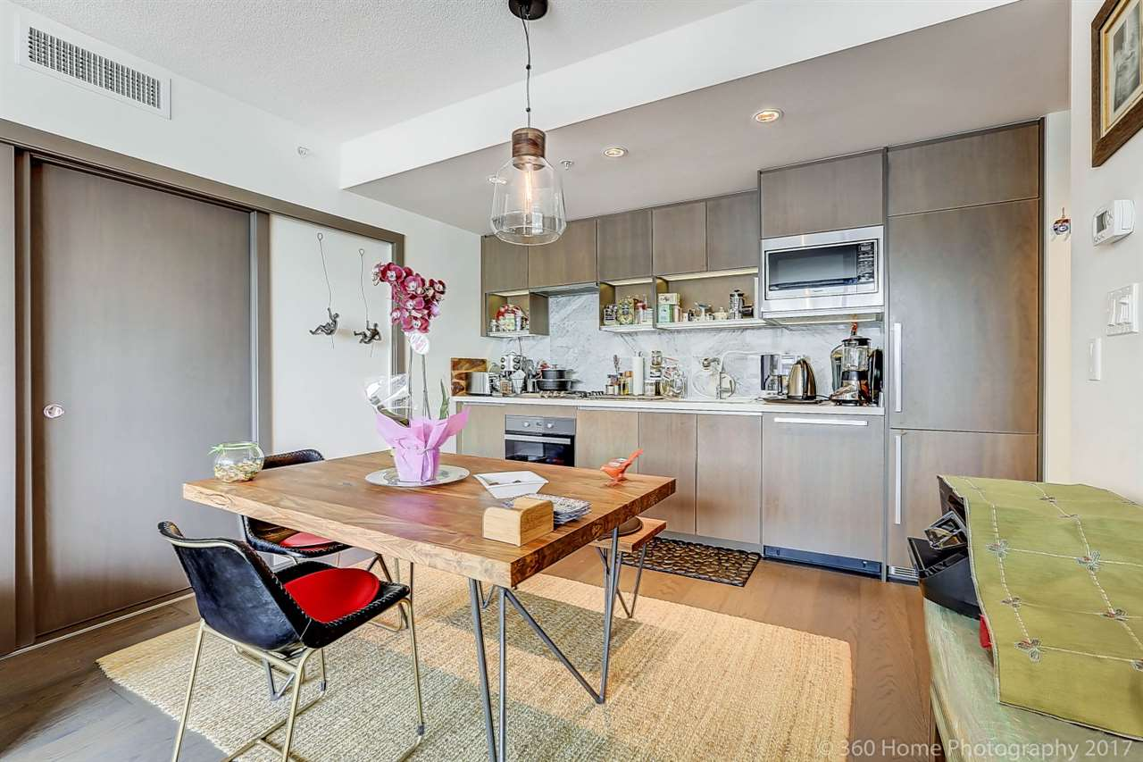 For Sale: 1553 - 38 Smithe Street, Vancouver, BC | 1 Bed, 1 Bath Condo for $988,000. See 20 photos!