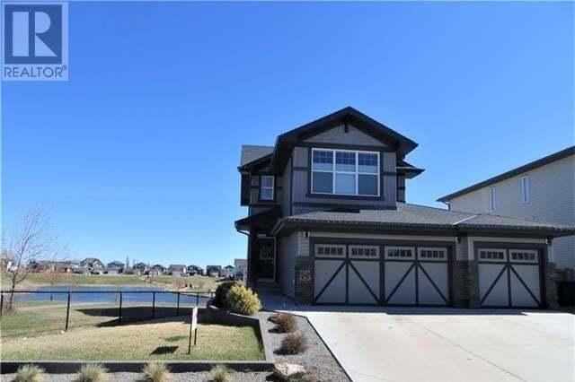 House for sale at 1557 Coalbanks Blvd Lethbridge Alberta - MLS: LD0189065