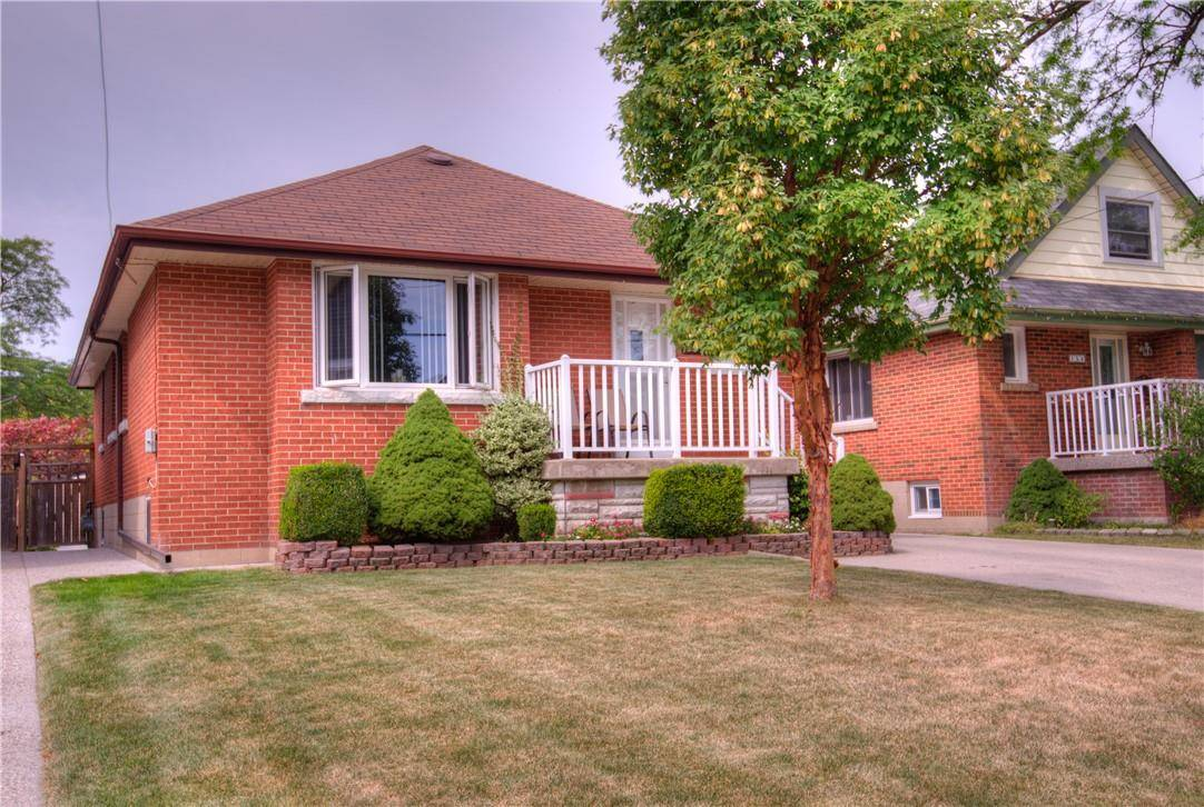 House for sale at 156 42nd St East Hamilton Ontario - MLS: H4063072