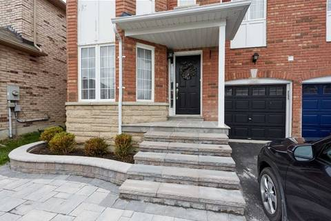 Townhouse for rent at 156 Flagstone Wy Newmarket Ontario - MLS: N4519878