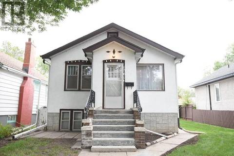 House for sale at 1561 Rae St Regina Saskatchewan - MLS: SK786504