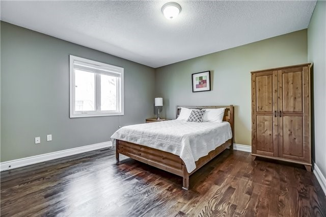 For Sale: 1561 Trotwood Avenue, Mississauga, ON   4 Bed, 4 Bath House for $1,399,800. See 20 photos!