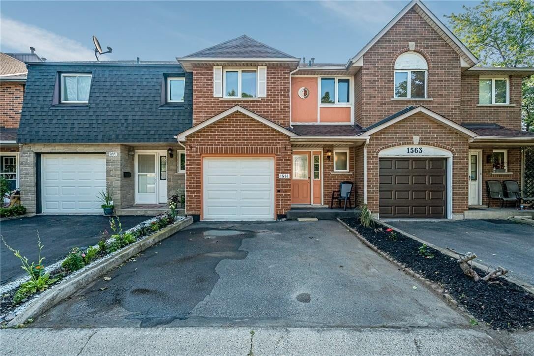 Townhouse for sale at 1561 Upper Wellington St Hamilton Ontario - MLS: H4085403