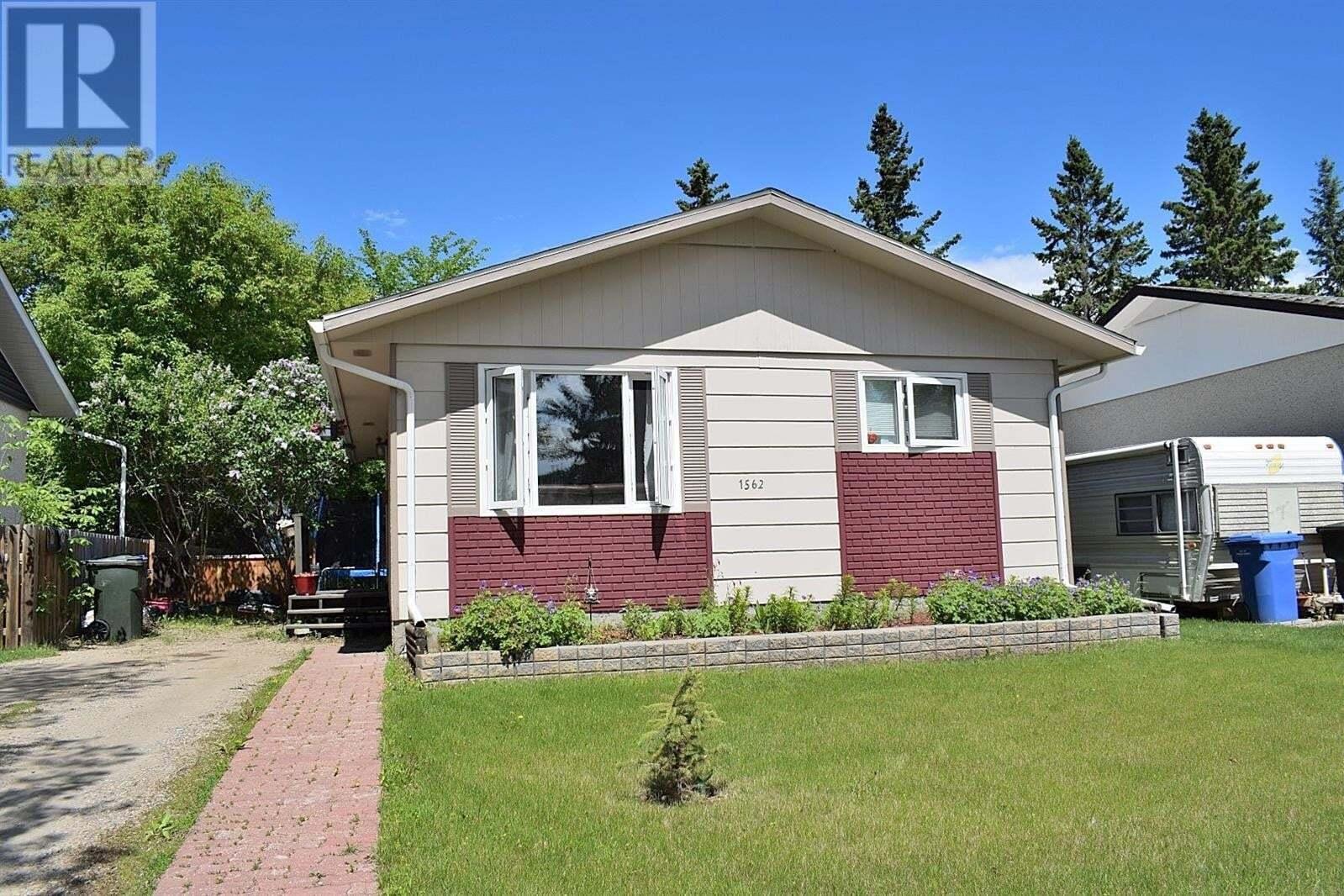 House for sale at 1562 4th St E Prince Albert Saskatchewan - MLS: SK813777
