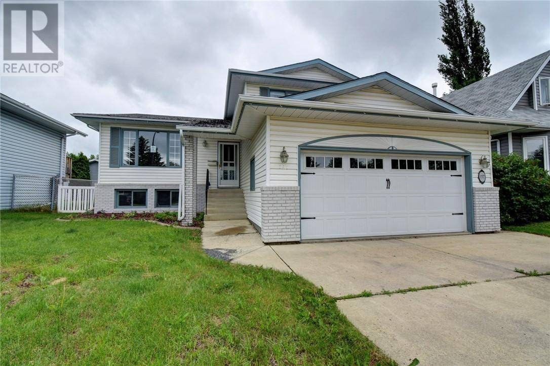 House for sale at 157 Castle Cres Red Deer Alberta - MLS: ca0178480