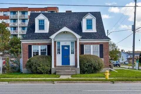 Townhouse for sale at 157 Centre St Oshawa Ontario - MLS: E4861226
