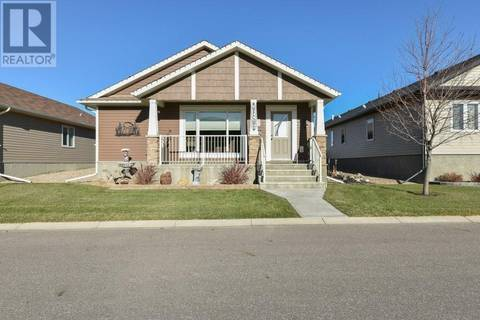 House for sale at 157 Chartwell Rw Se Medicine Hat Alberta - MLS: mh0154556