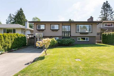 House for sale at 15730 Russell Ave White Rock British Columbia - MLS: R2361307