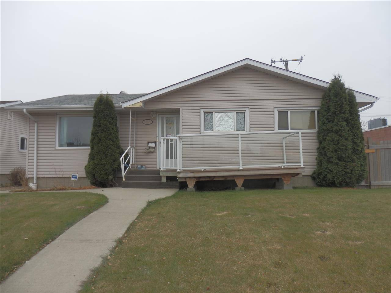 House for sale at 15735 87 Ave Nw Edmonton Alberta - MLS: E4178839