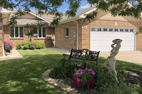 Townhouse for sale at 1576 Blue Heron Dr Windsor Ontario - MLS: 19021708