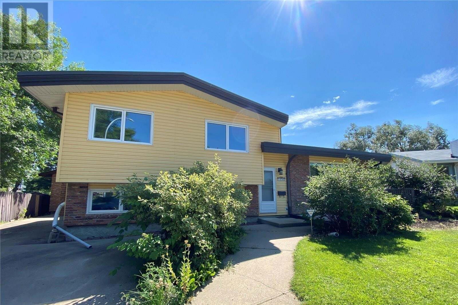 House for sale at 1578 Helme Cres Prince Albert Saskatchewan - MLS: SK821417