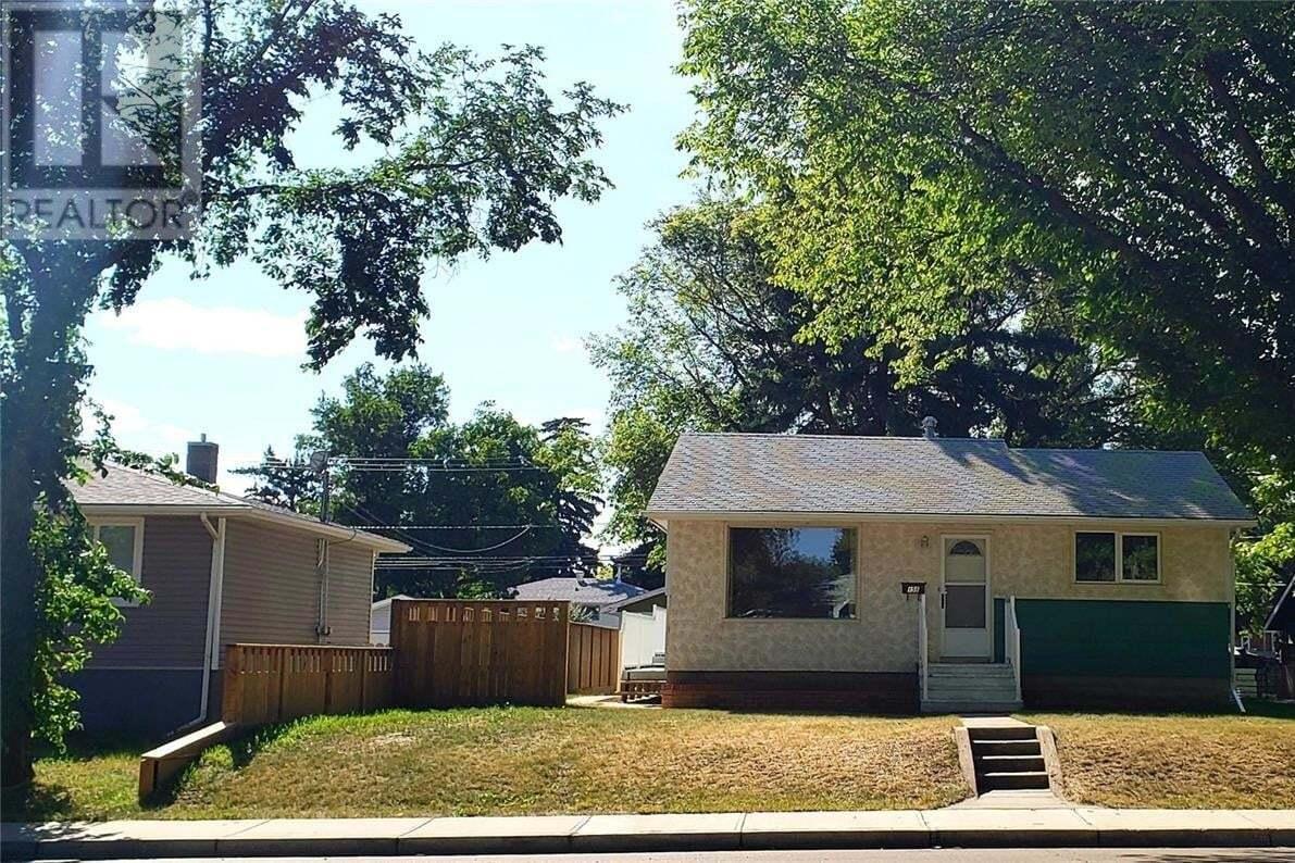 House for sale at 158 2nd Ave SE Swift Current Saskatchewan - MLS: SK821322