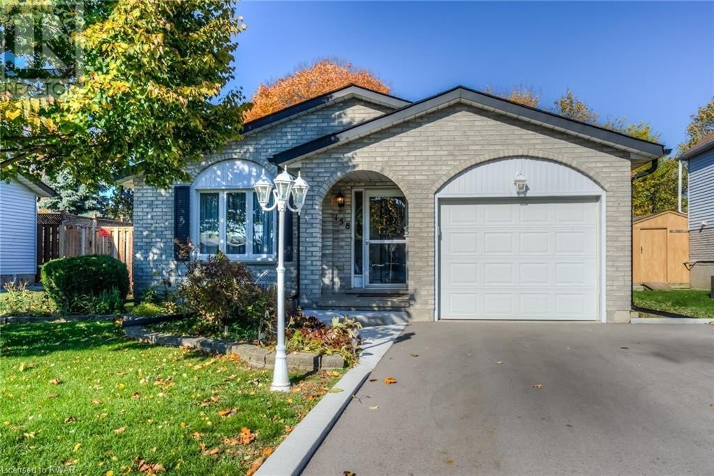 House for sale at 158 Barnicke Dr Cambridge Ontario - MLS: 40037116