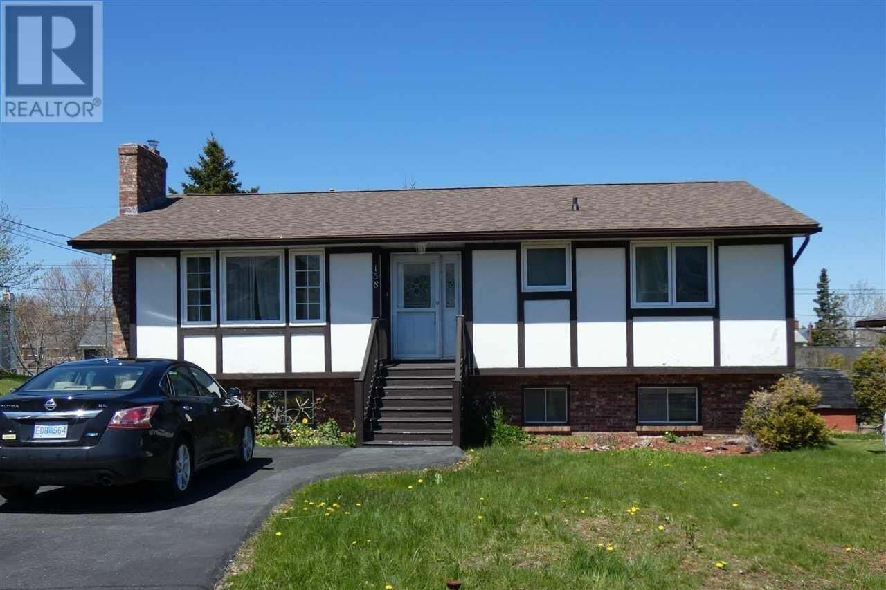 House for sale at 158 Hannebury Dr Dartmouth Nova Scotia - MLS: 202008185