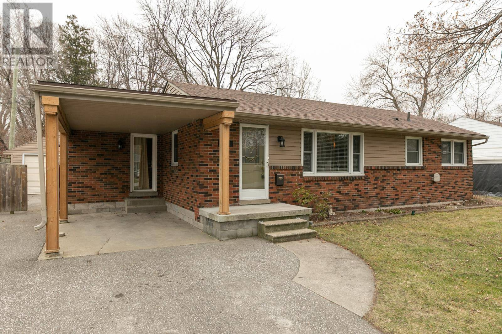 House for sale at 158 St. Marks  St. Clair Beach Ontario - MLS: 20003780