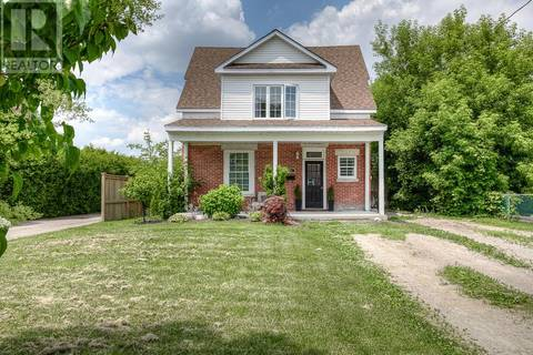 House for sale at 1582 Caledonia St London Ontario - MLS: 203993