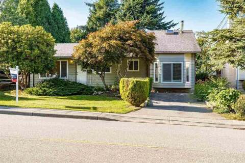 House for sale at 15835 Russell Ave White Rock British Columbia - MLS: R2505821