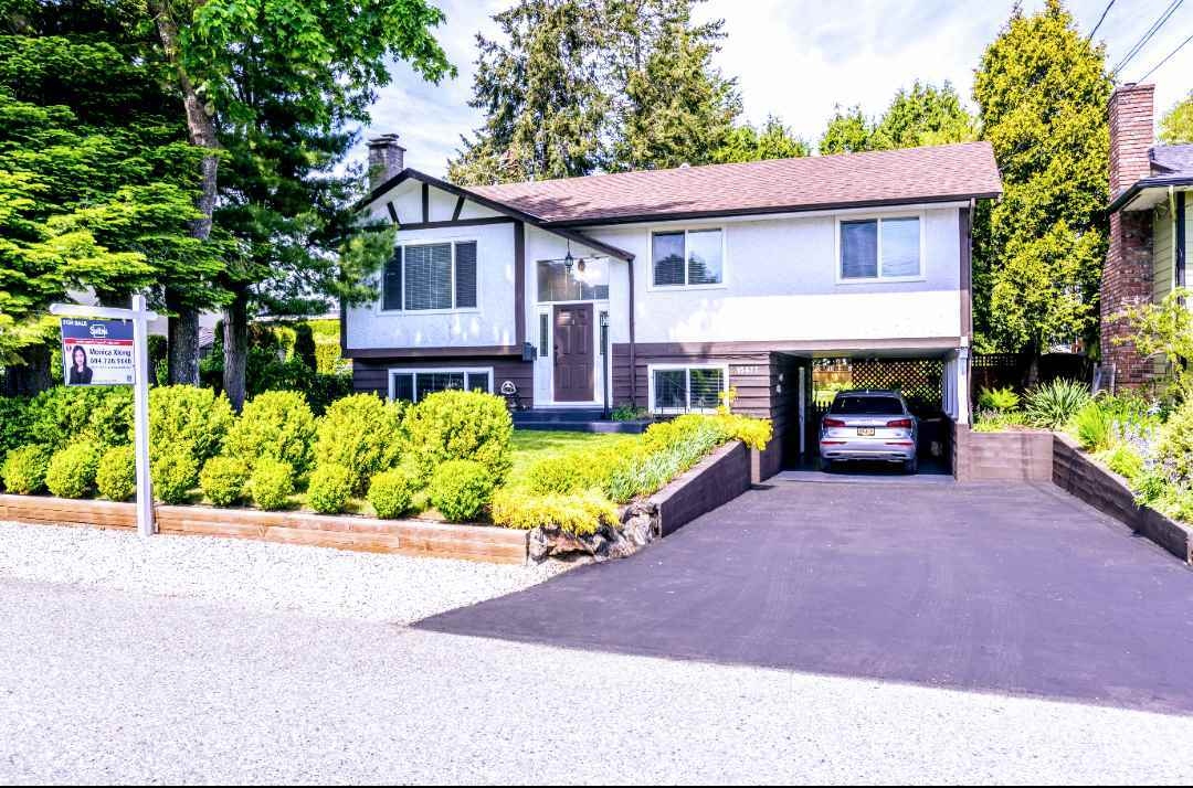 For Sale: 15877 Prospect Crescent, White Rock, BC | 5 Bed, 3 Bath House for $1098000.