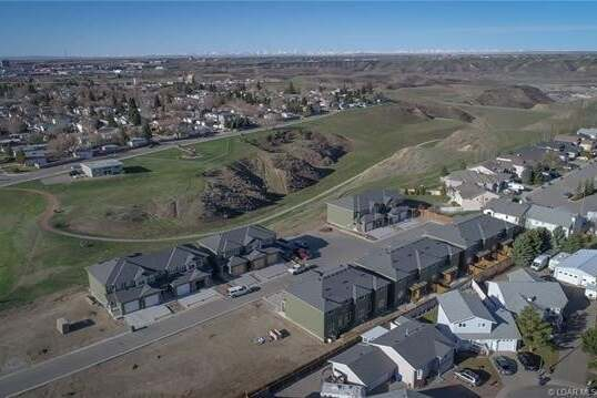 Townhouse for sale at 1588 Stafford Dr North Lethbridge Alberta - MLS: LD0190196