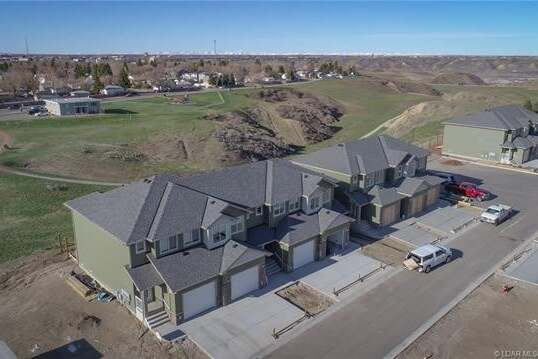 Townhouse for sale at 1588 Stafford Dr North Lethbridge Alberta - MLS: LD0190947