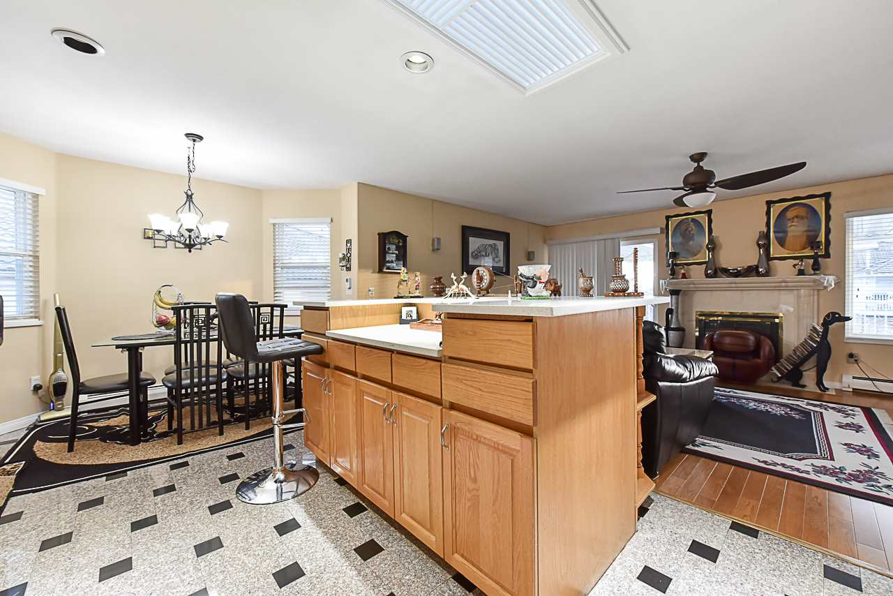 For Sale: 15888 89a Avenue, Surrey, BC   6 Bed, 4 Bath House for $1,268,888. See 20 photos!
