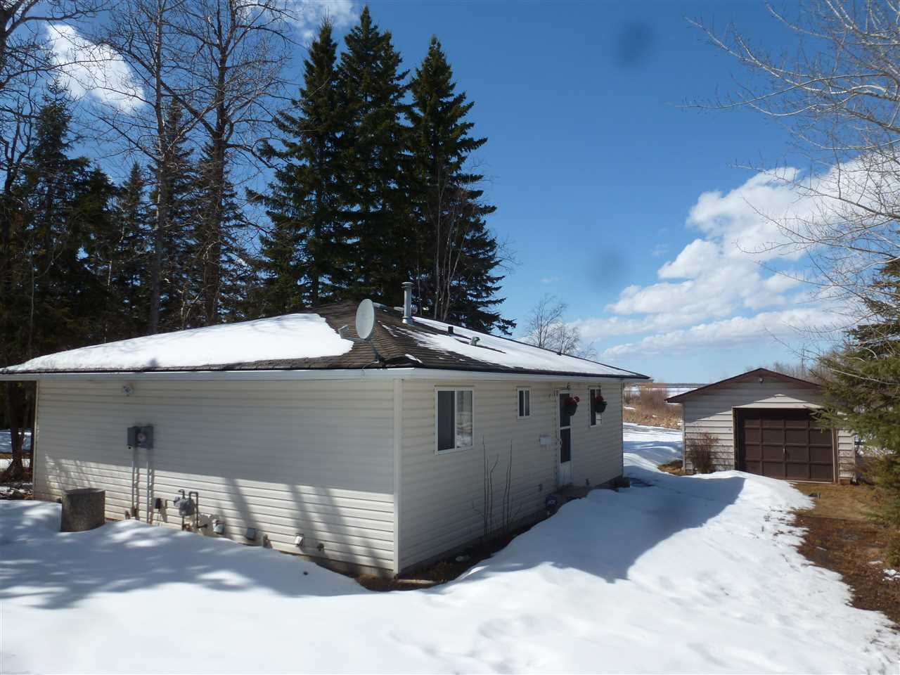 For Sale: 159 51268 Range Rd 204hastings Lk Road, Rural Strathcona County, AB   3 Bed, 1 Bath House for $324,900. See 2 photos!
