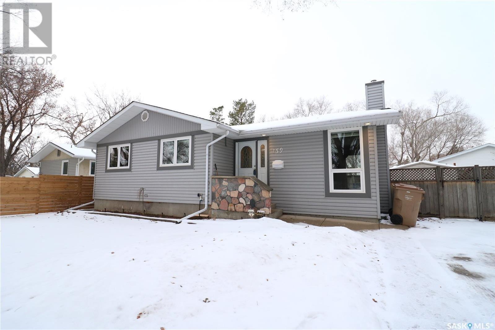 House for sale at 159 Deergrove Cres Regina Saskatchewan - MLS: SK834675