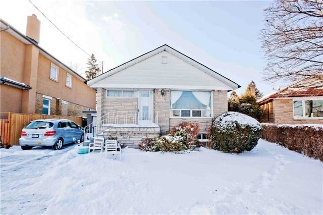 For Sale: 1594 Warden Avenue, Toronto, ON | 3 Bed, 3 Bath House for $839,000. See 20 photos!