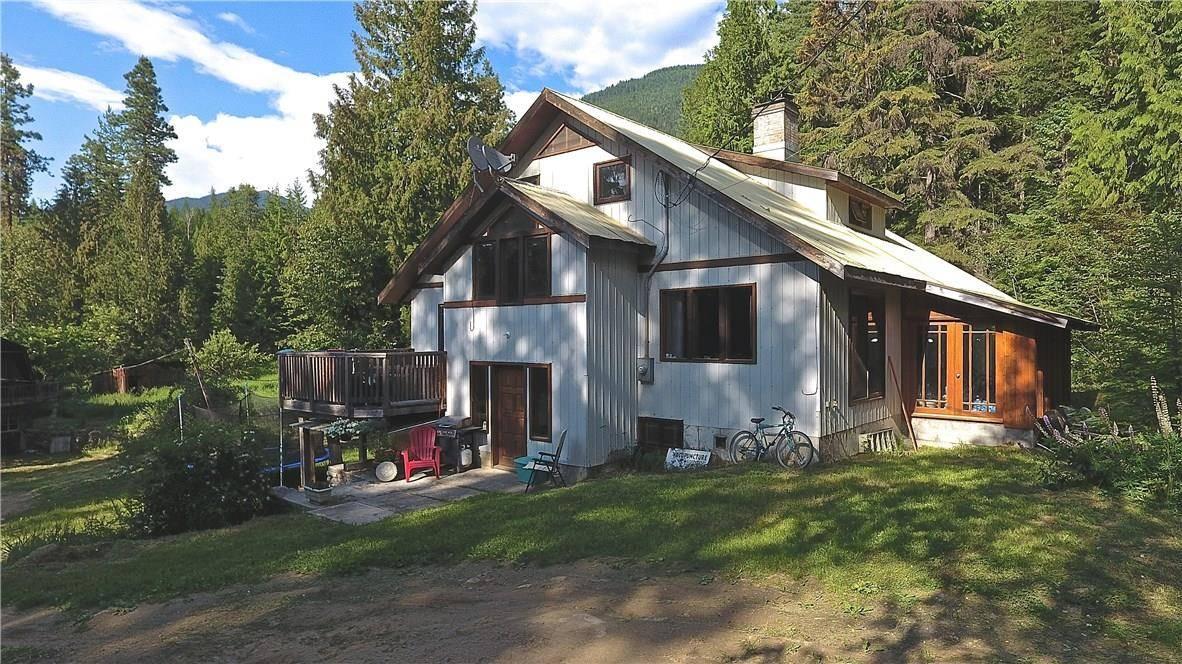 House for sale at 15941 Crawford Creek Rd Crawford Bay British Columbia - MLS: 2438629